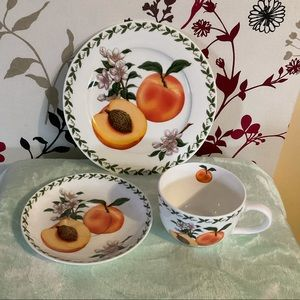🌟💥🌟 OFFERS WELCOME 🌟💥🌟 Maxwell & Williams orchid fruits china set $30 🍑